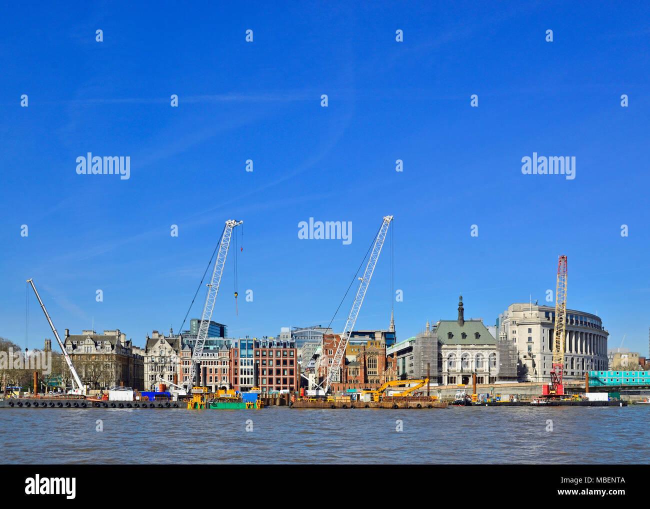 London, England, UK. Construction cranes on the Victoria Embankment - Stock Image