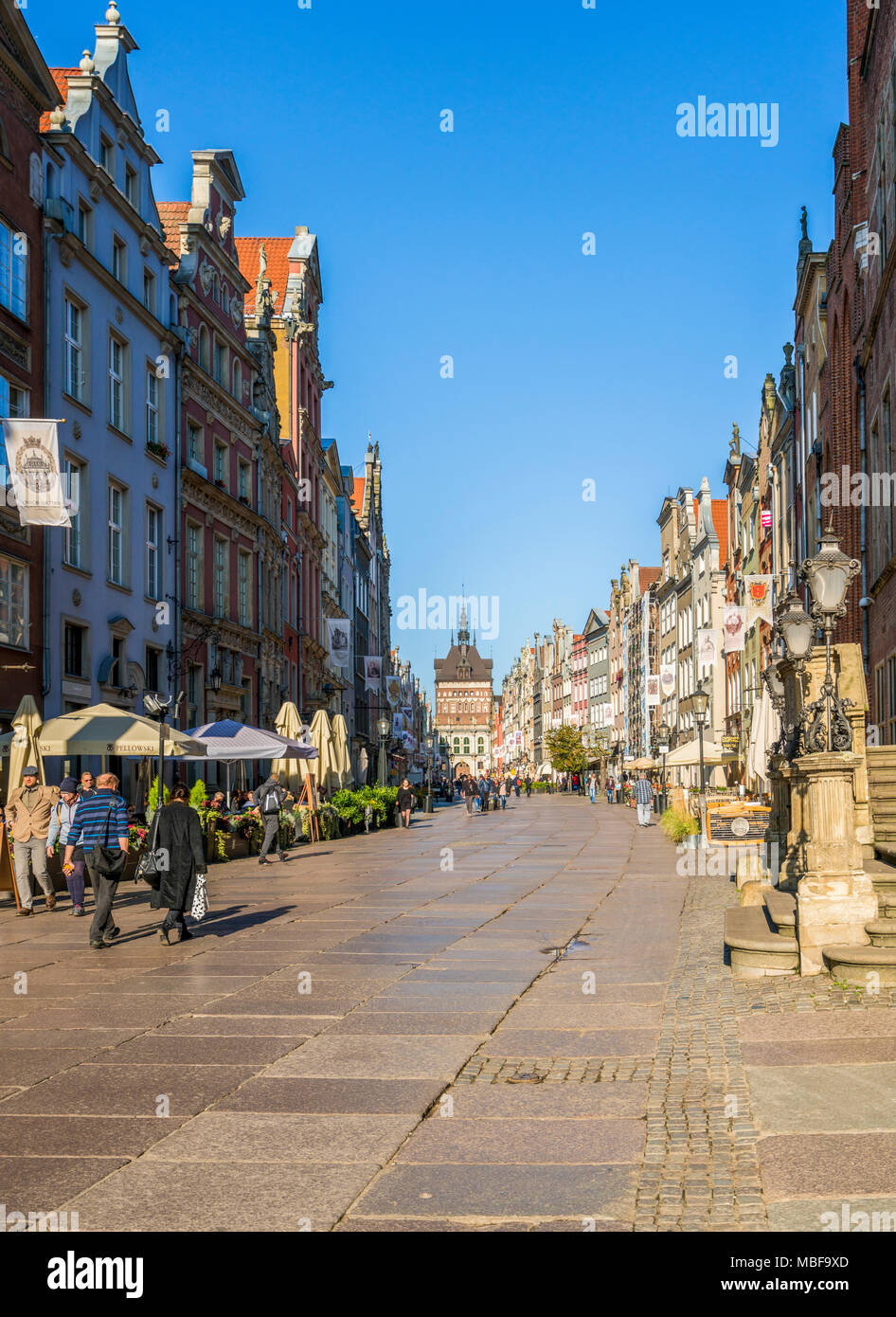 Tourists on Long Lane in the city centre of Gdansk, Poland, Europe - Stock Image