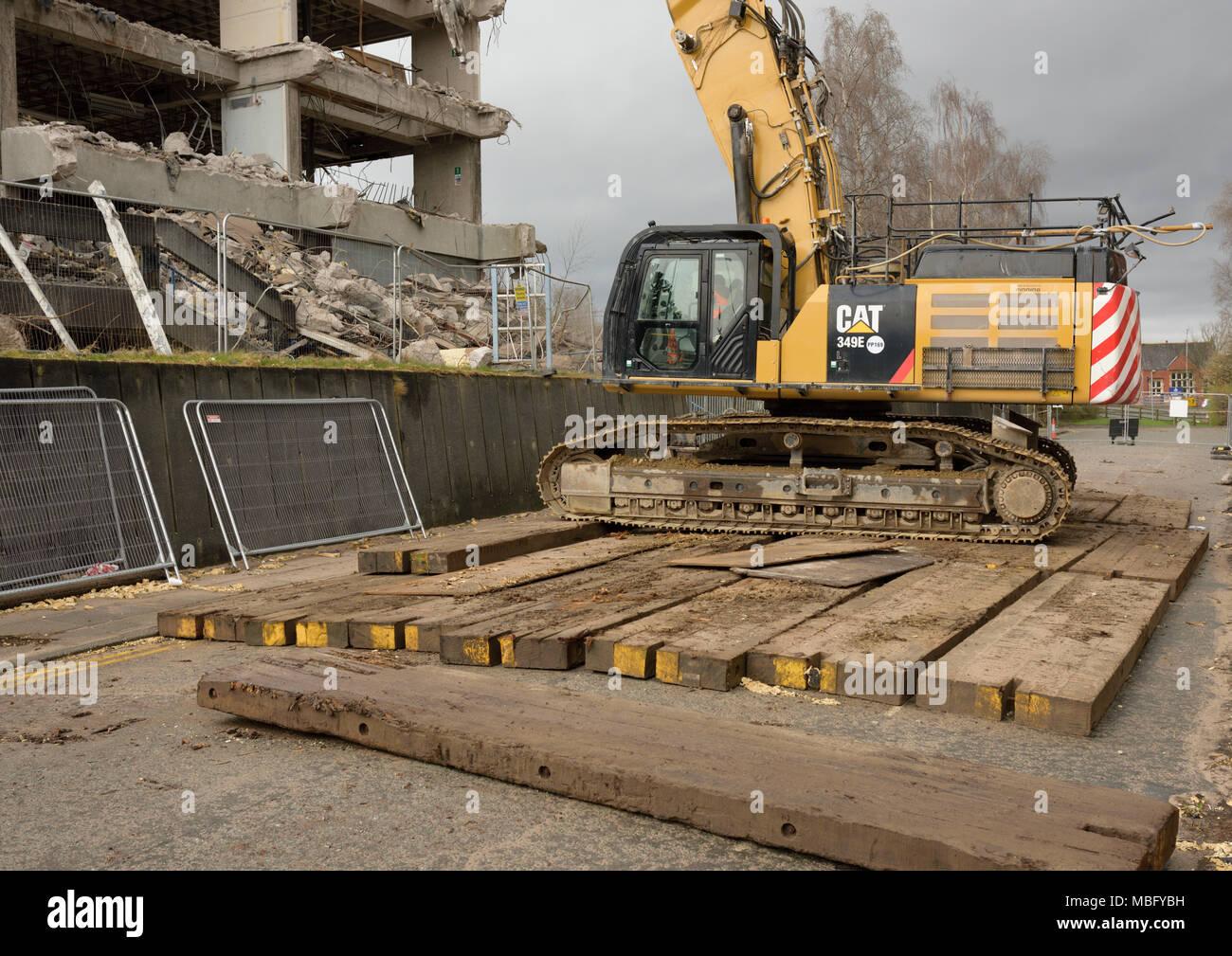 Cat 349 E high reach 360 degree tracked hydraulic demolition