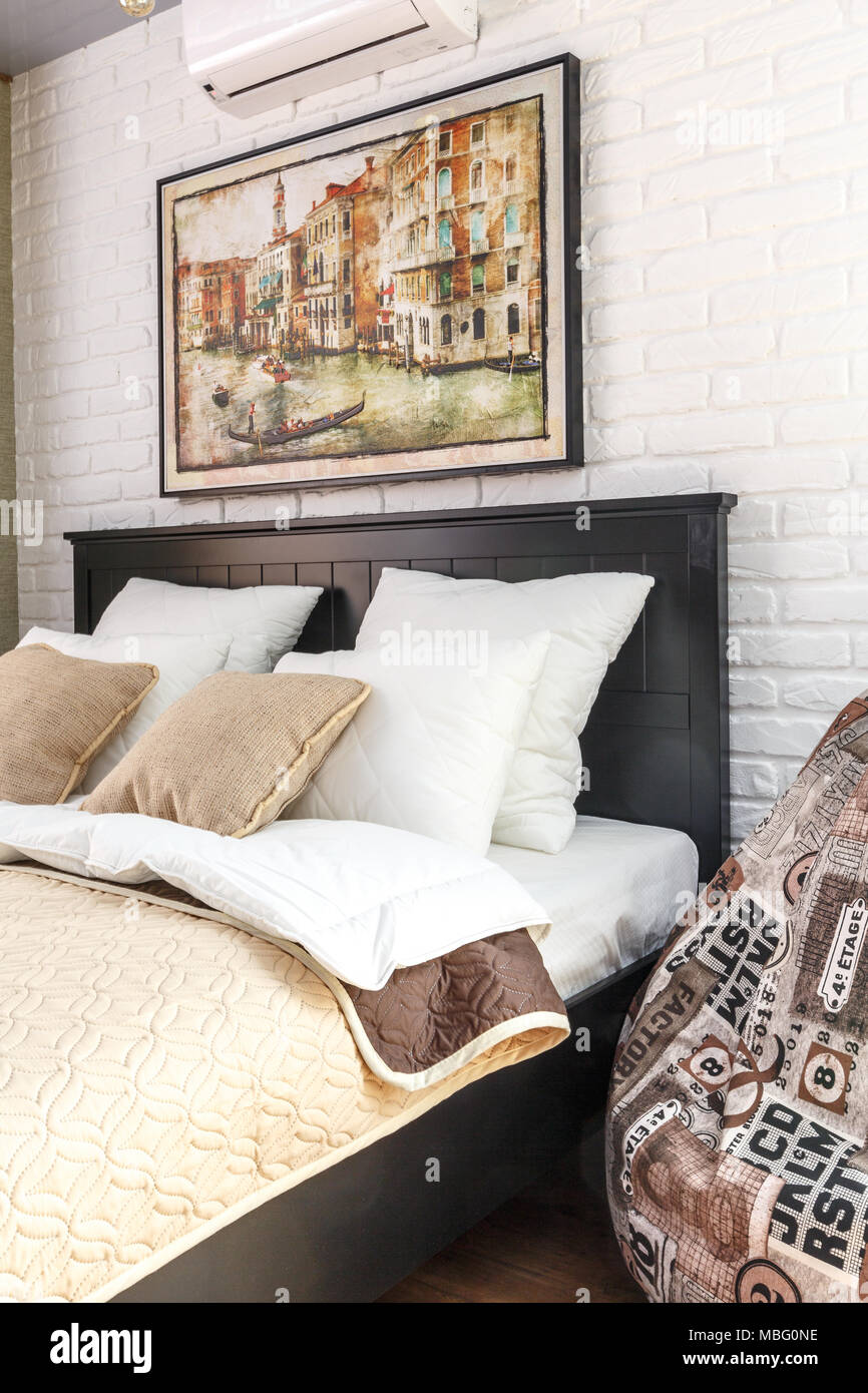 Luxury Hotel Pillow Bed Stock Photos & Luxury Hotel Pillow