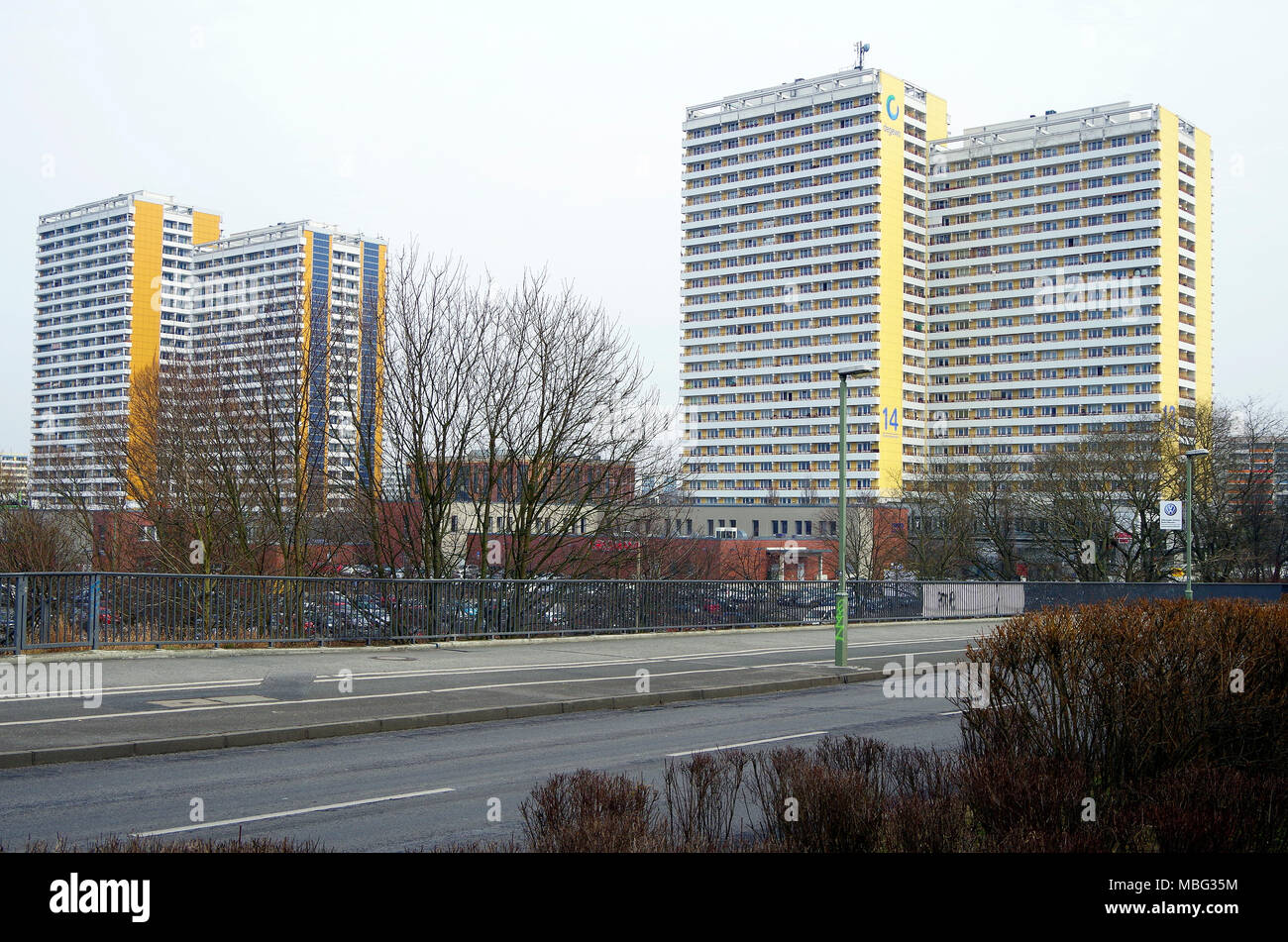 Three 22 and 25 storey DDR double apartment blocks owned by dewego state-owned housing company at Helene Weigel Platz, Springpfuhl, Berlin - Stock Image
