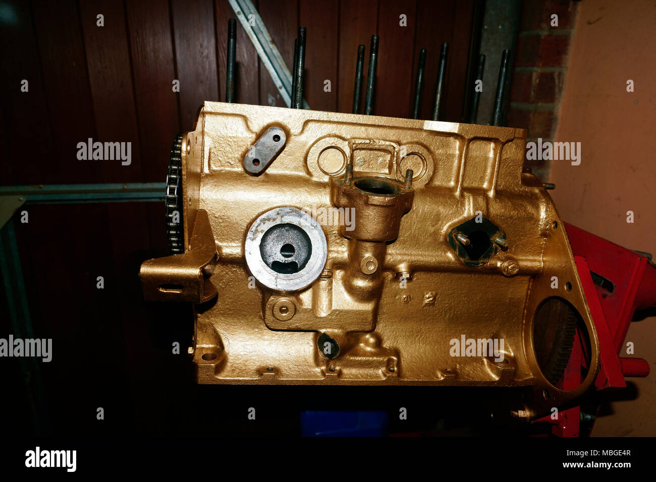 Triumph Spitfire Engine Block Mk Iv 1296cc Repainted Old Gold Stock