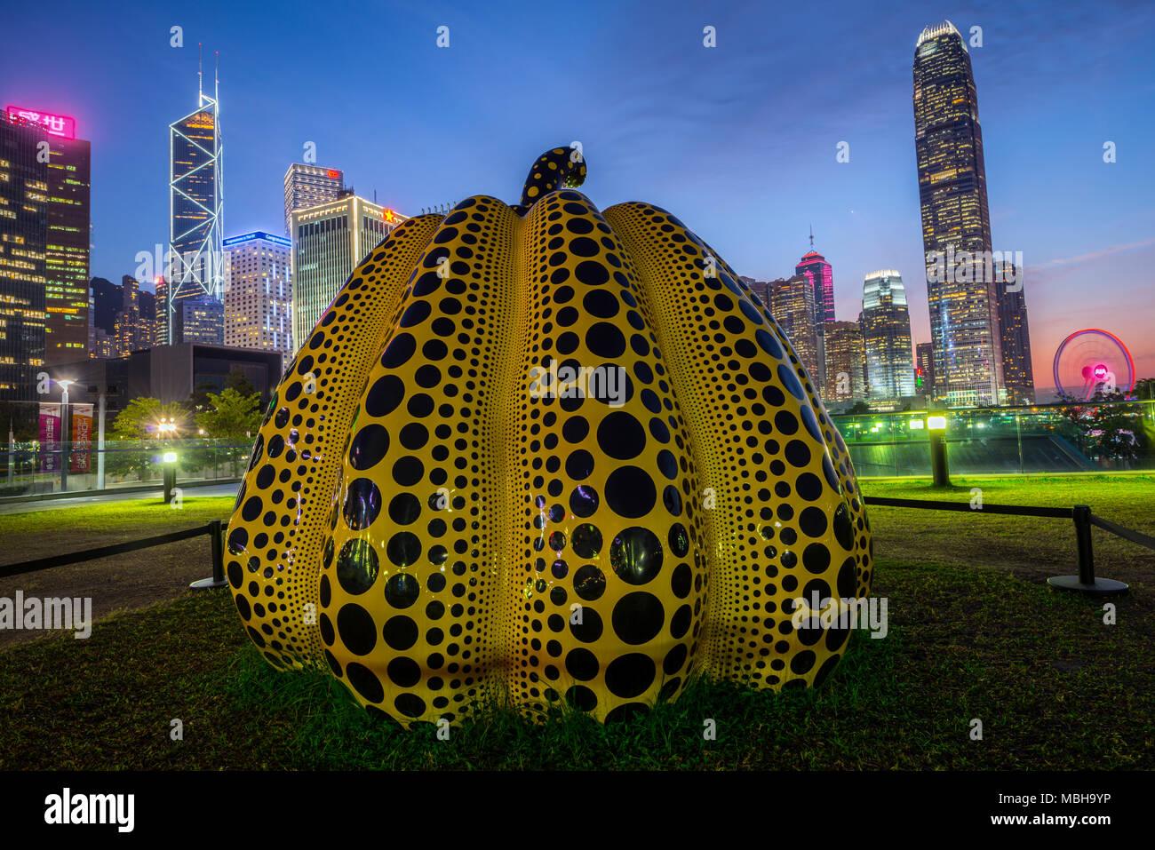 Japanese artists Yayoi Kusama pumpkin at Harbour Arts Sculpture Park, Central district, Hong Kong, China. - Stock Image