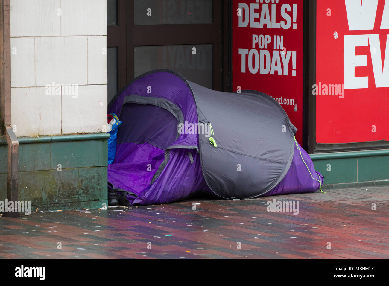 Northampton. 11th Apr, 2018. UK Weather: Another dull miserable day for the homeless having to live in a tent in Abington Street in the town centre. Credit: Keith J Smith./Alamy Live News Stock Photo
