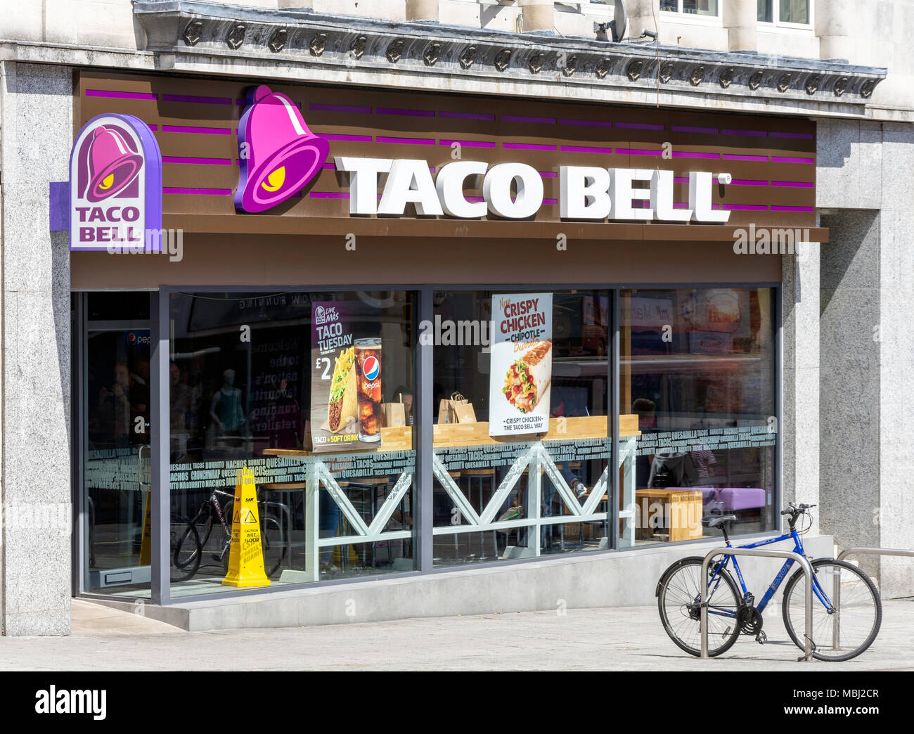 Taco Bell Mexican fast-food restaurant, Hanover Buildings, Southampton, Hampshire, England, United Kingdom - Stock Image