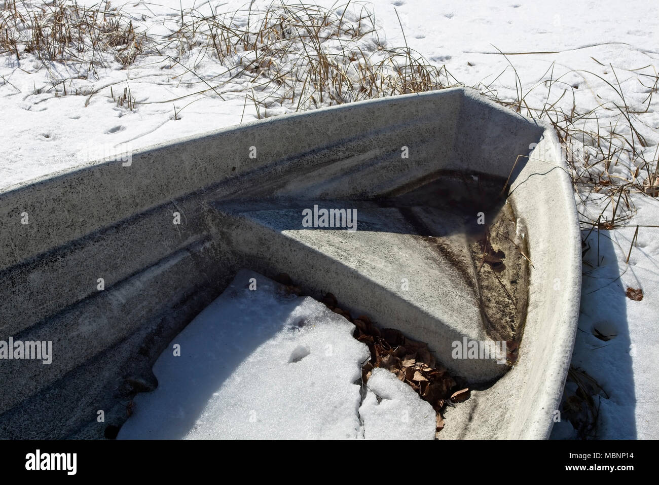 Fibreglass Dinghy Stock Photos & Fibreglass Dinghy Stock Images - Alamy