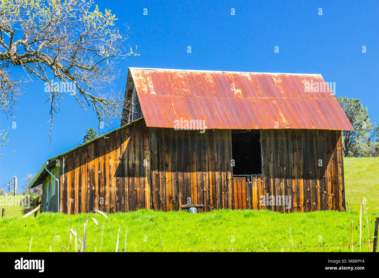 Rusty Tin Roof Stock Photos Amp Rusty Tin Roof Stock Images
