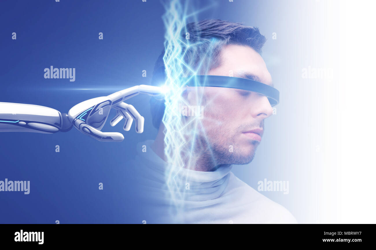 robot hand connecting to virtual network - Stock Image