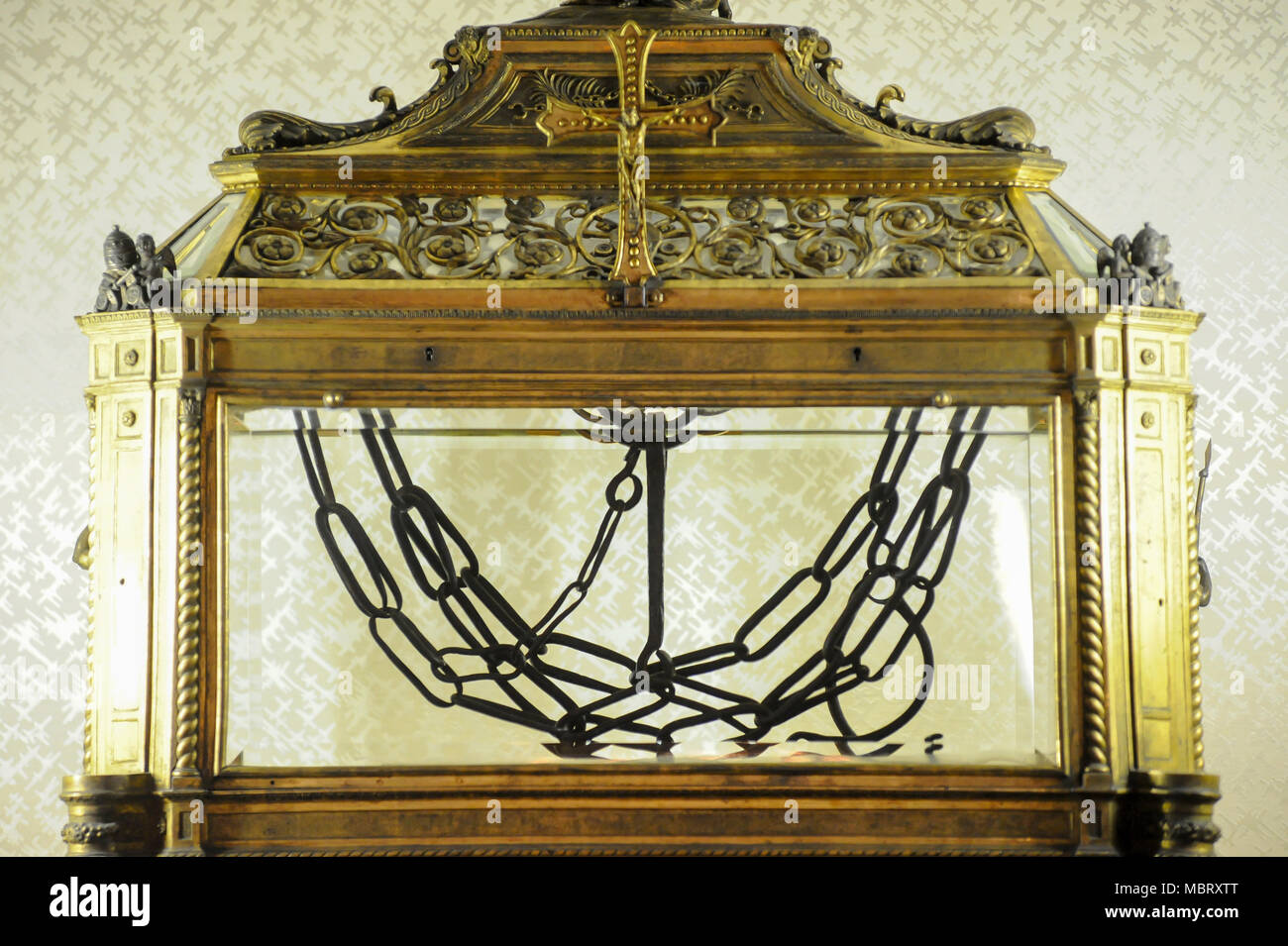 Reliquary containing relic of the chains of St Peter in Basilica di San Pietro in Vincoli al Colle Oppio (Church of Saint Peter in Chains) consecrated Stock Photo