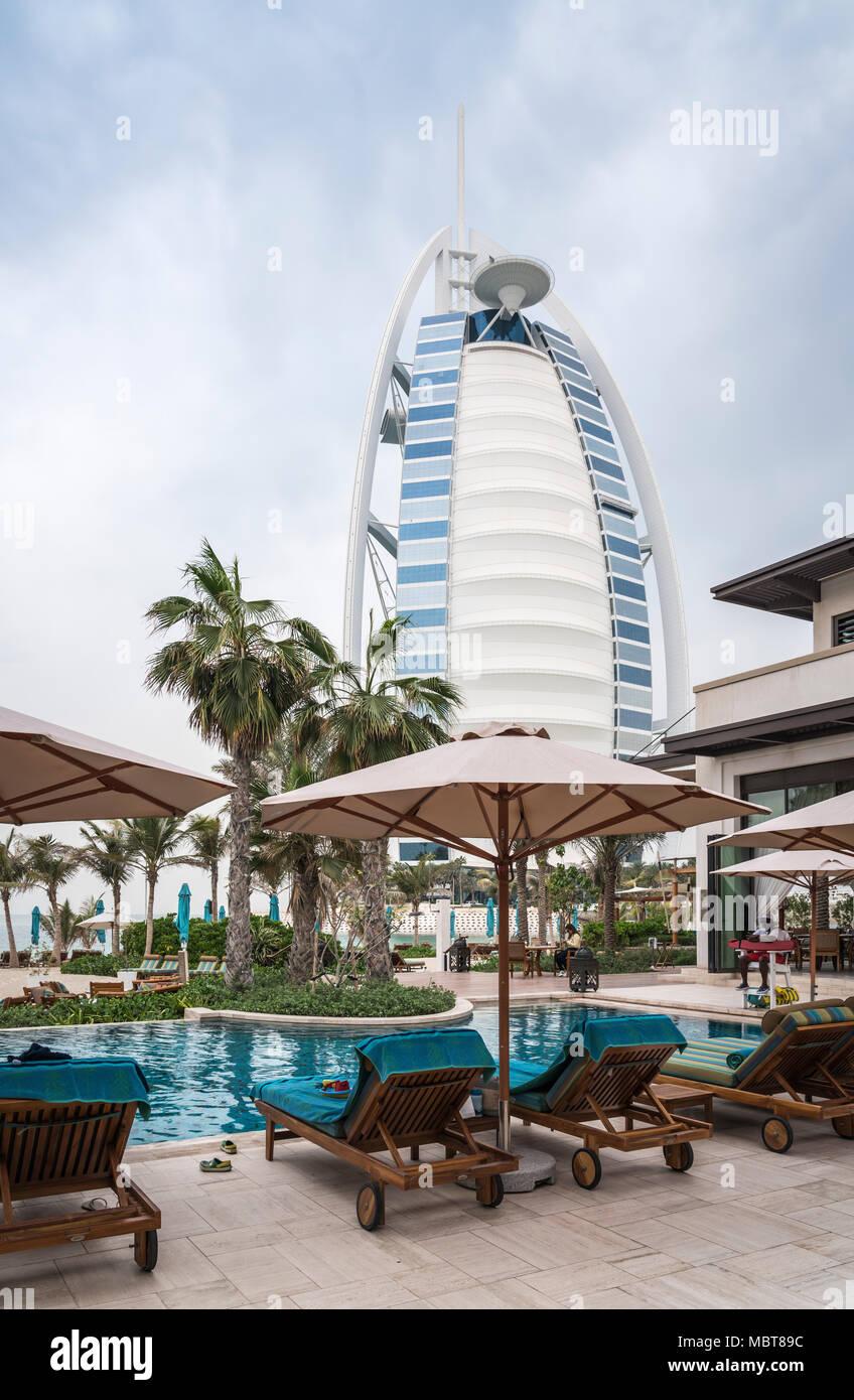 The Burj Al Arab Hotel on Jumeirah Beach, Dubai, UAE, Middle East. - Stock Image