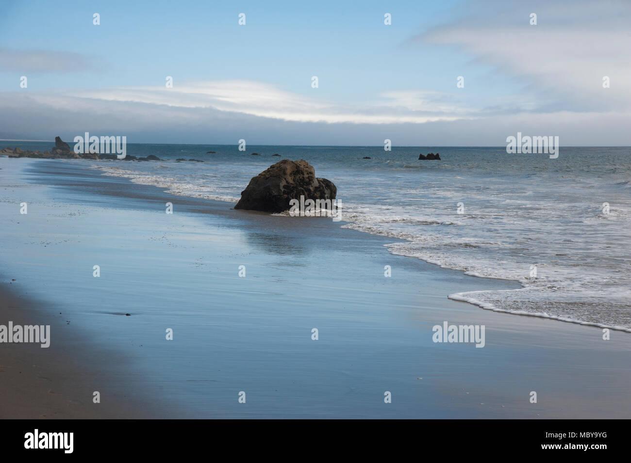 Beach on the Southern California coast near Malibu - Stock Image