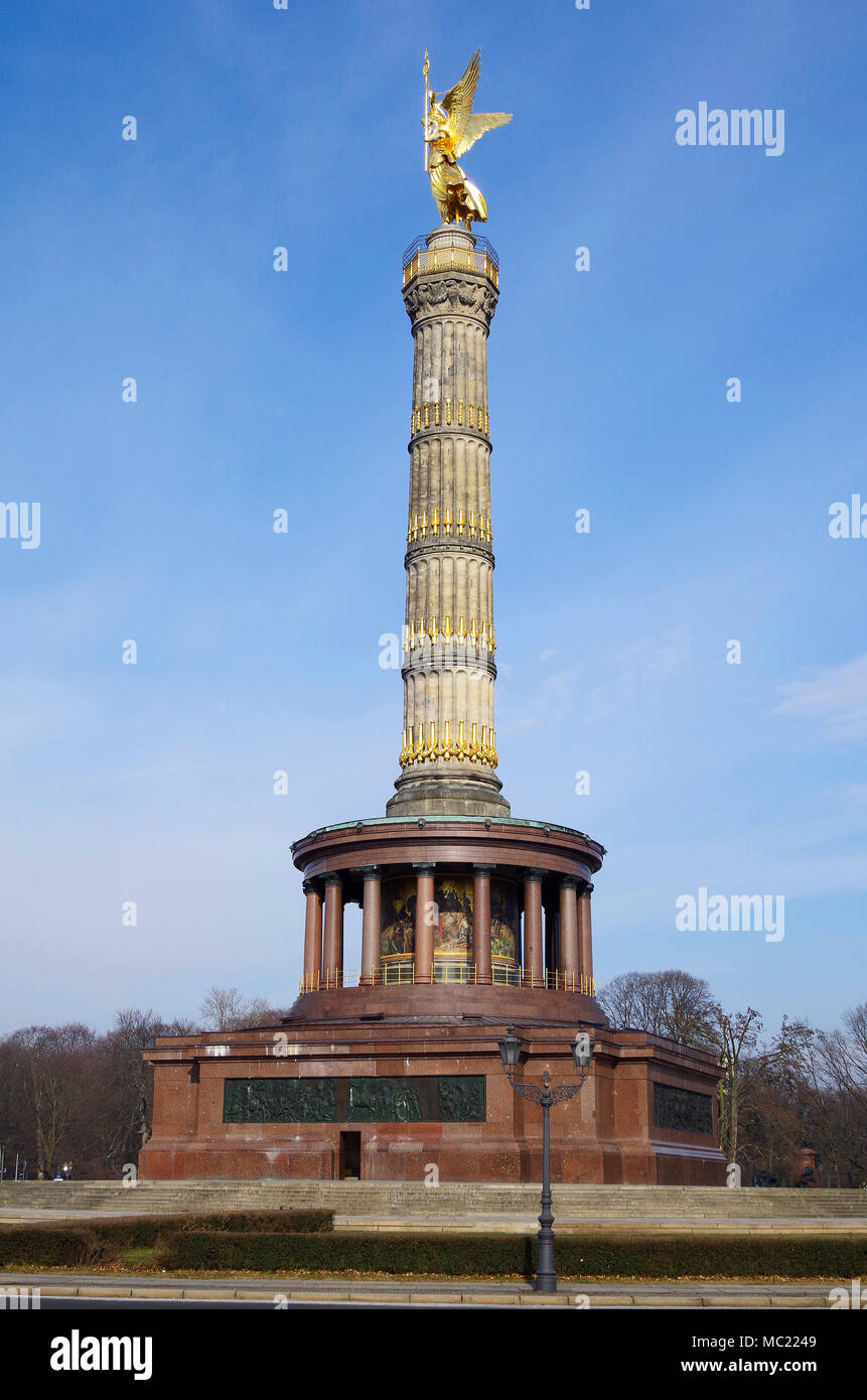 The Siegesaüle, Victory column, a colossal neo-classical stone column in the Tiergarten, Berlin. - Stock Image