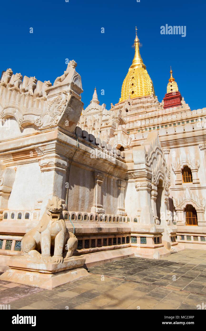 Exterior of the 'Ananda Temple' in Bagan, Myanmar (Burma). - Stock Image