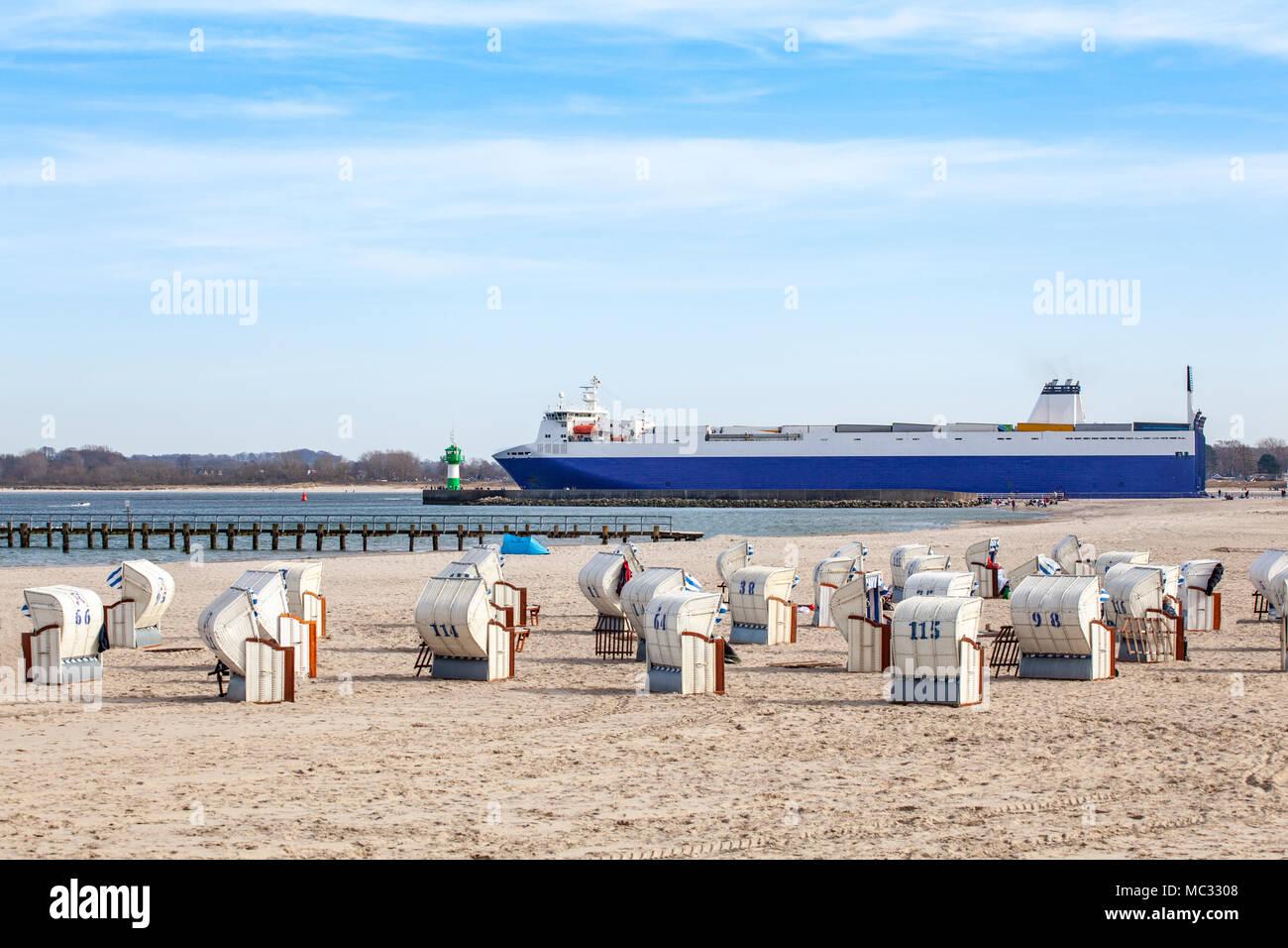 Conro Schiff vor Travemünde, Deutschland - Stock Image