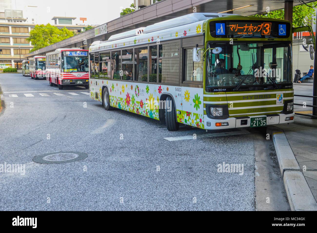 96a4baa8c3884 No 3 Bus Stock Photos & No 3 Bus Stock Images - Alamy