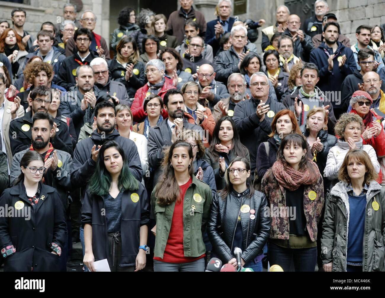 Attendees during an event by Catalan Platform 'En peu de pau' ('Standing for Peace') in Barcelona, Catalonia, north eastern Spain, 12 April 2018. Catalan Parliament's Speaker, Roger Torrent, has postponed the appointment of Jordi Sanchez as new Catalan President that was initially scheduled for 13 April due to Spanish High Court's refusal to release Jordi Sanchez, who is currently under temporary custody. EFE/Andreu Dalmau Stock Photo