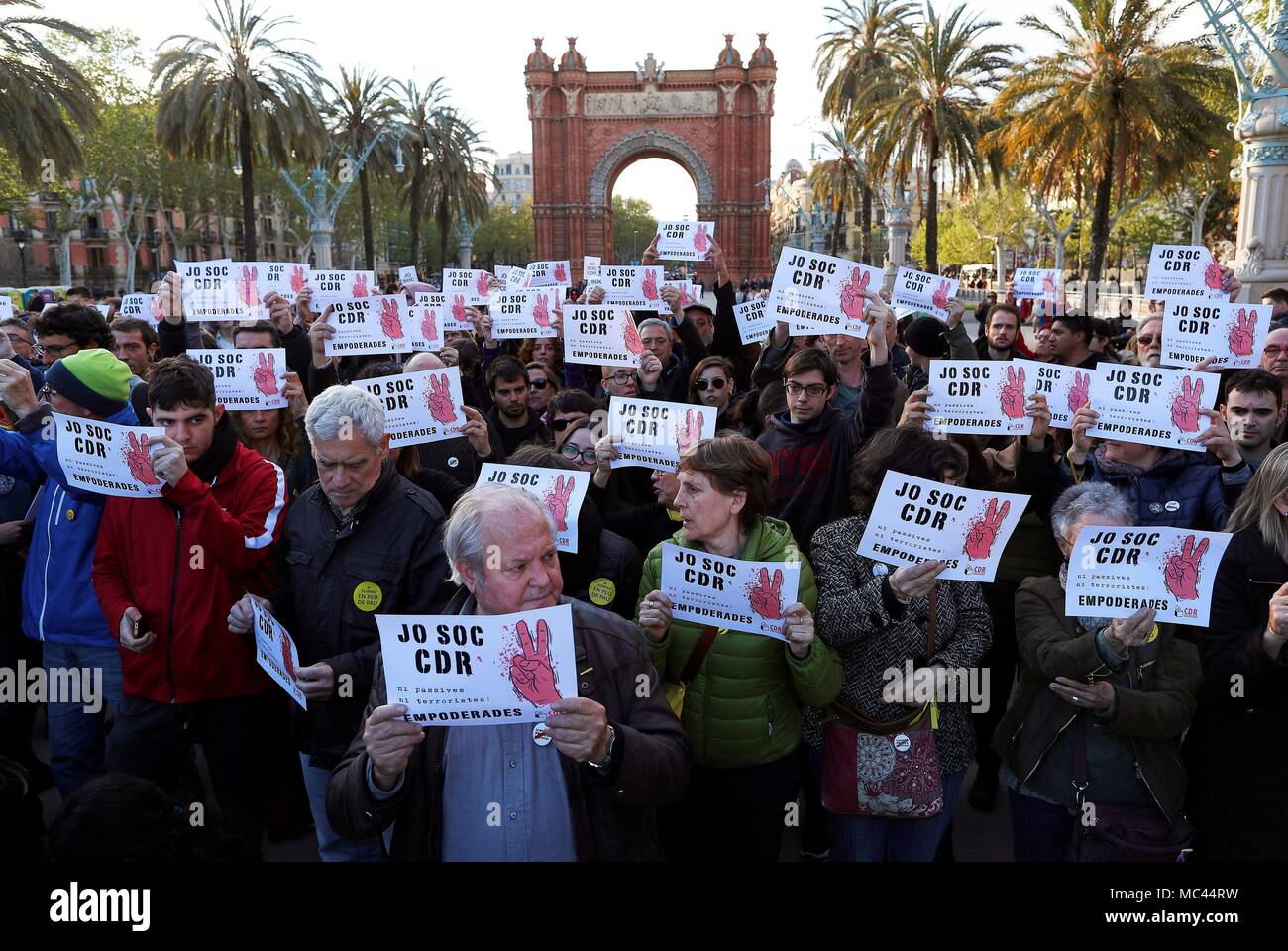 People rally to suppor the Republic's Defense Committees in Barcelona, Catalonia, Spain, 12 April 2018. EFE/Alejandro Garcia Stock Photo