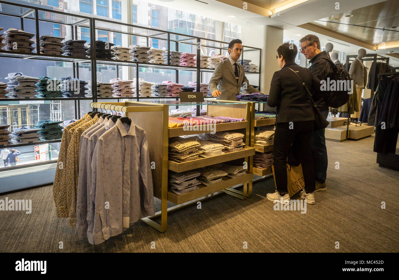 7c99dedcf New York, USA. 12th Apr, 2018. Excited shoppers crowd the new Nordstrom