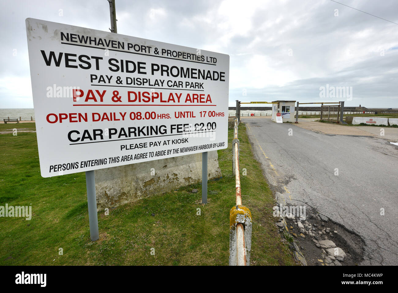 West Side Promenade, Newhaven, East Sussex. - Stock Image
