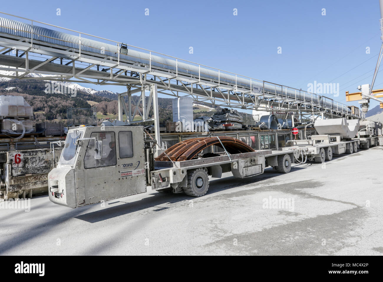 Multi Service Vehicle an der Tunnelbaustelle Ahrental Stock