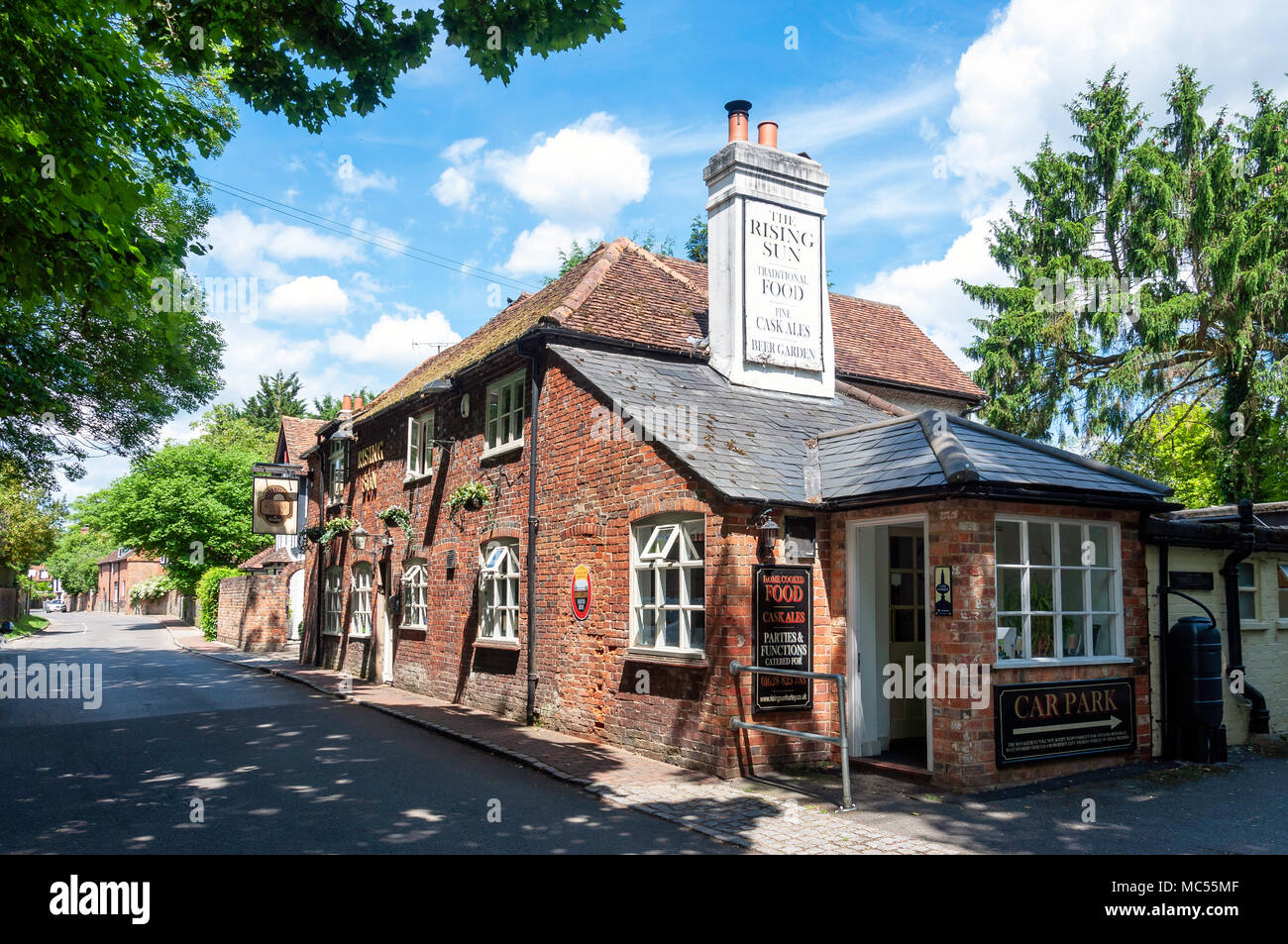 19th century The Rising Sun Pub, High Street, Hurley, Berkshire, England, United Kingdom - Stock Image