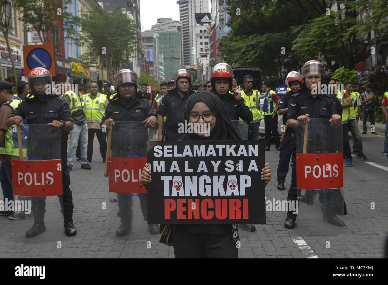 Kuala Lumpur Malaysia 14th Apr 2018 A Girl Holds A Placard During A Nab A Thief Jho Low Rally In Kuala Lumpur The Rally Is Being Held To Call For The