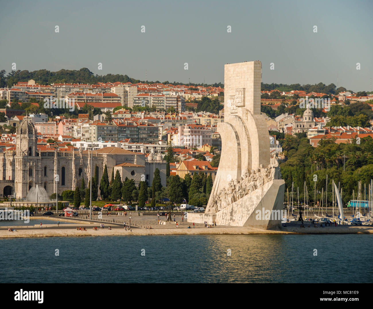 The monument Padrao dos Descobrimentos on the banks of the Tagus River Stock Photo