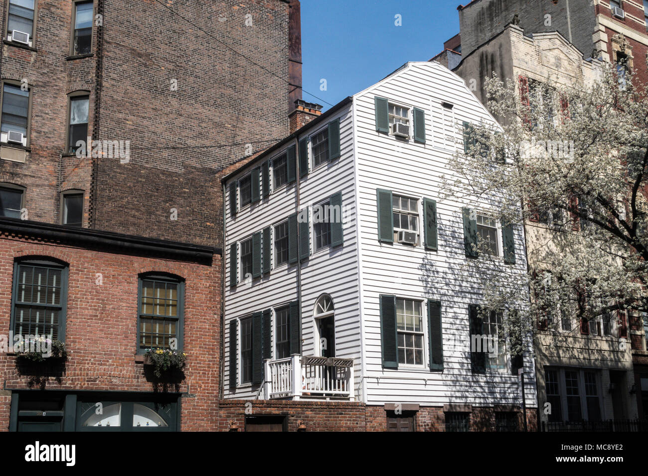 Wooden Farmhouse on East 29th Street, New York City, USA Stock Photo