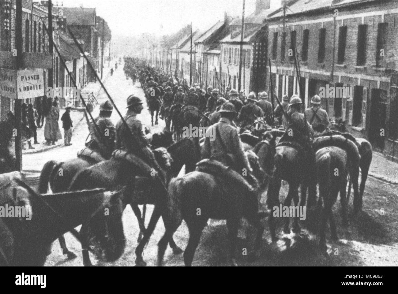 French cavalry passes a locality near the Somme (July 16th, 1916). - Stock Image