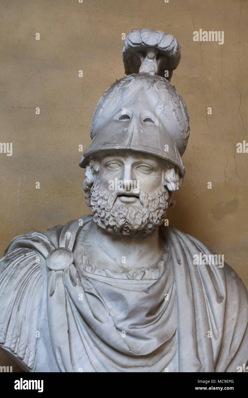Greek general and statesman Pyrrhus of Epirus (319/318 - 272 BC). Roman marble head completed with a helmet and bust in the 16th century on display in the courtyard of the Palazzo Pitti in Florence, Tuscany, Italy. Stock Photo