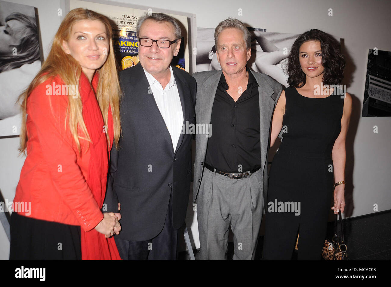 NEW YORK - FEBRUARY 15: (L- R) Martina Zborilova, Writer/Director Milos Forman, Actor/Producer Michael Douglas and actress Catherine Zeta Jones attend 'One Flew Over the Cuckoo's Nest' Intro At MoMA on February 15, 2008 in New York City   People:  Martina Zborilova; Milos Forman; Michael Douglas; Catherine Zeta Jones - Stock Image