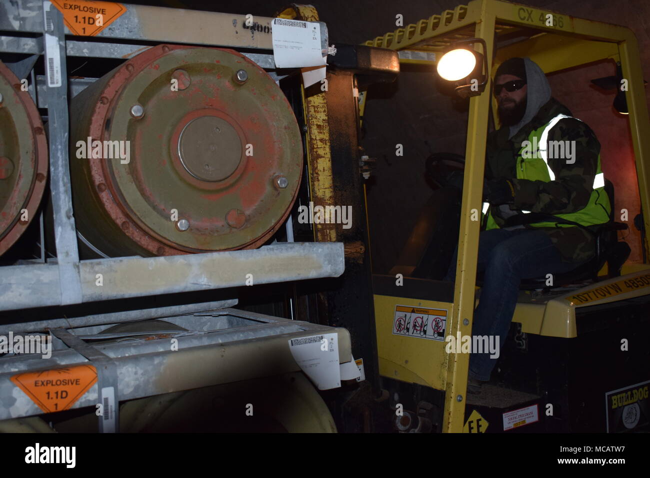 2000 Lb Stock Photos & 2000 Lb Stock Images - Alamy