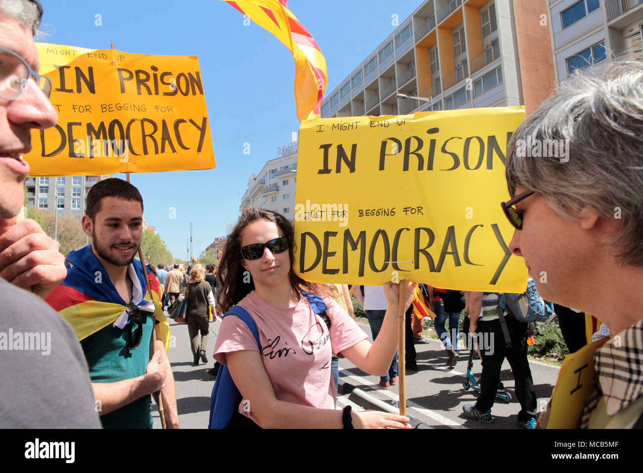 Barcelona, Spain. 15th April, 2018.    Freedom for political prisoners demonstration IN central barcelona, in av. del Parallel. Hundreds of Thousands of Catalans gather in a demonstration to show support for the political prisoners who have been detained in madrid for anti-constitutional behaviour.  Credit: rich bowen/Alamy Live News Stock Photo