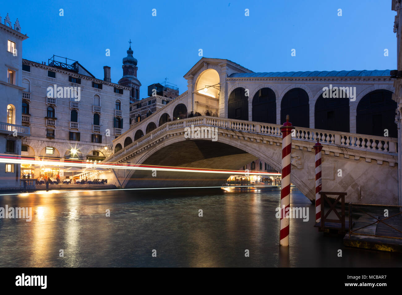 The Rialto and Grand Canal at night, Venice, Italy - Stock Image