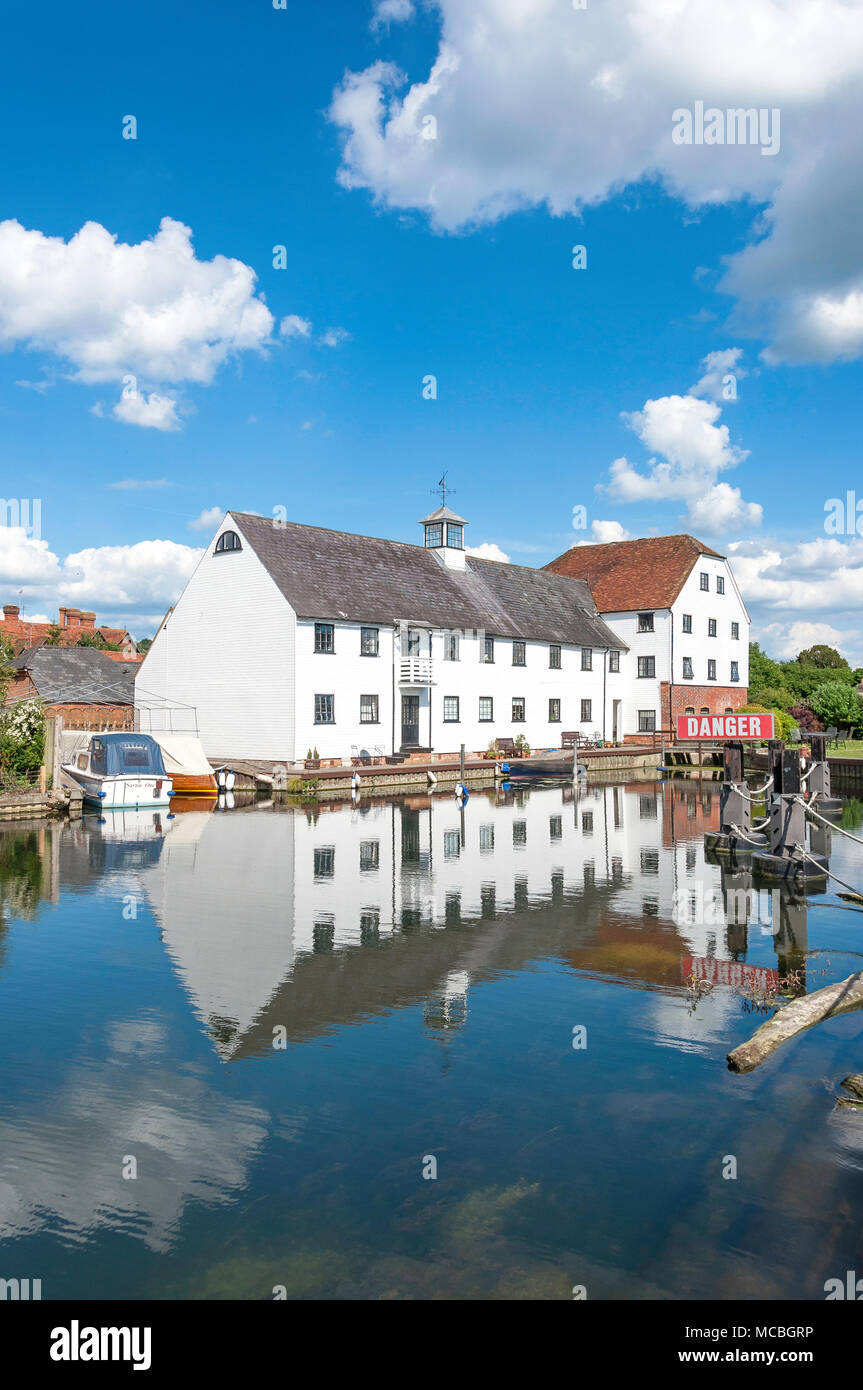 18th century Hambleden Mill, Mill End Lock, Hambleden, Buckinghamshire, England, United Kingdom - Stock Image