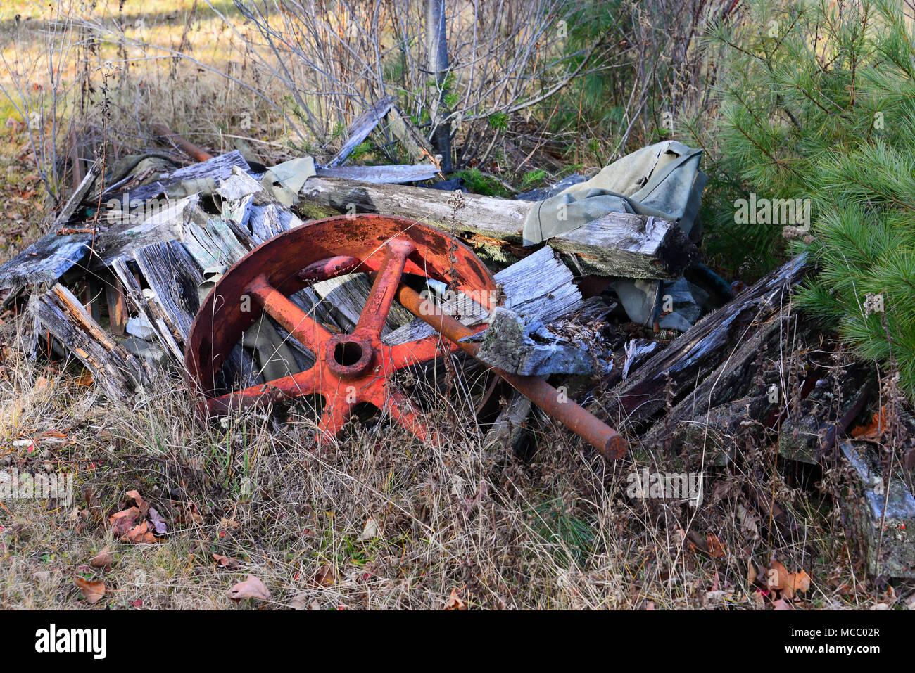 Broken Axle Stock Photos & Broken Axle Stock Images - Alamy