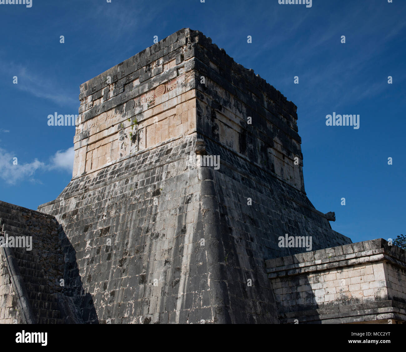 An ancient Mayan temple at Chichén Itzá, Yucatán State, Mexico. Stock Photo