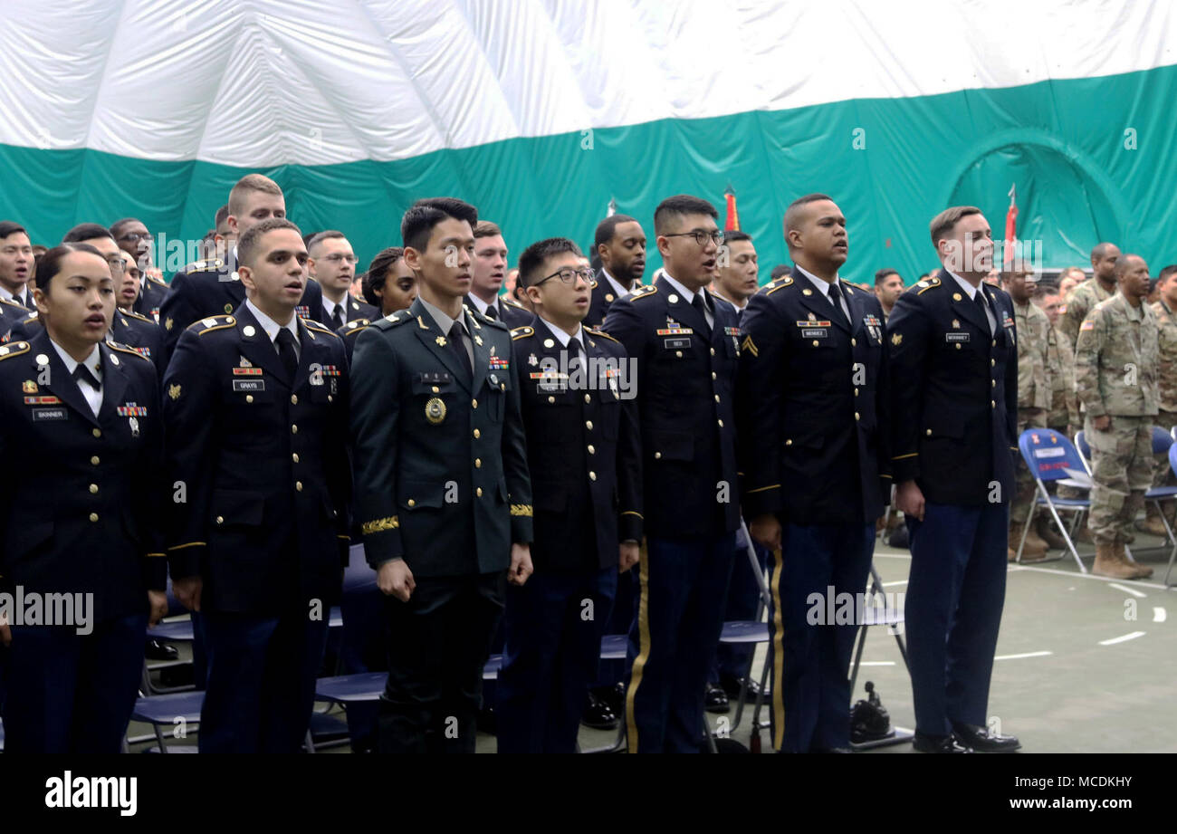Graduating Soldiers say The creed of the Noncommissioned