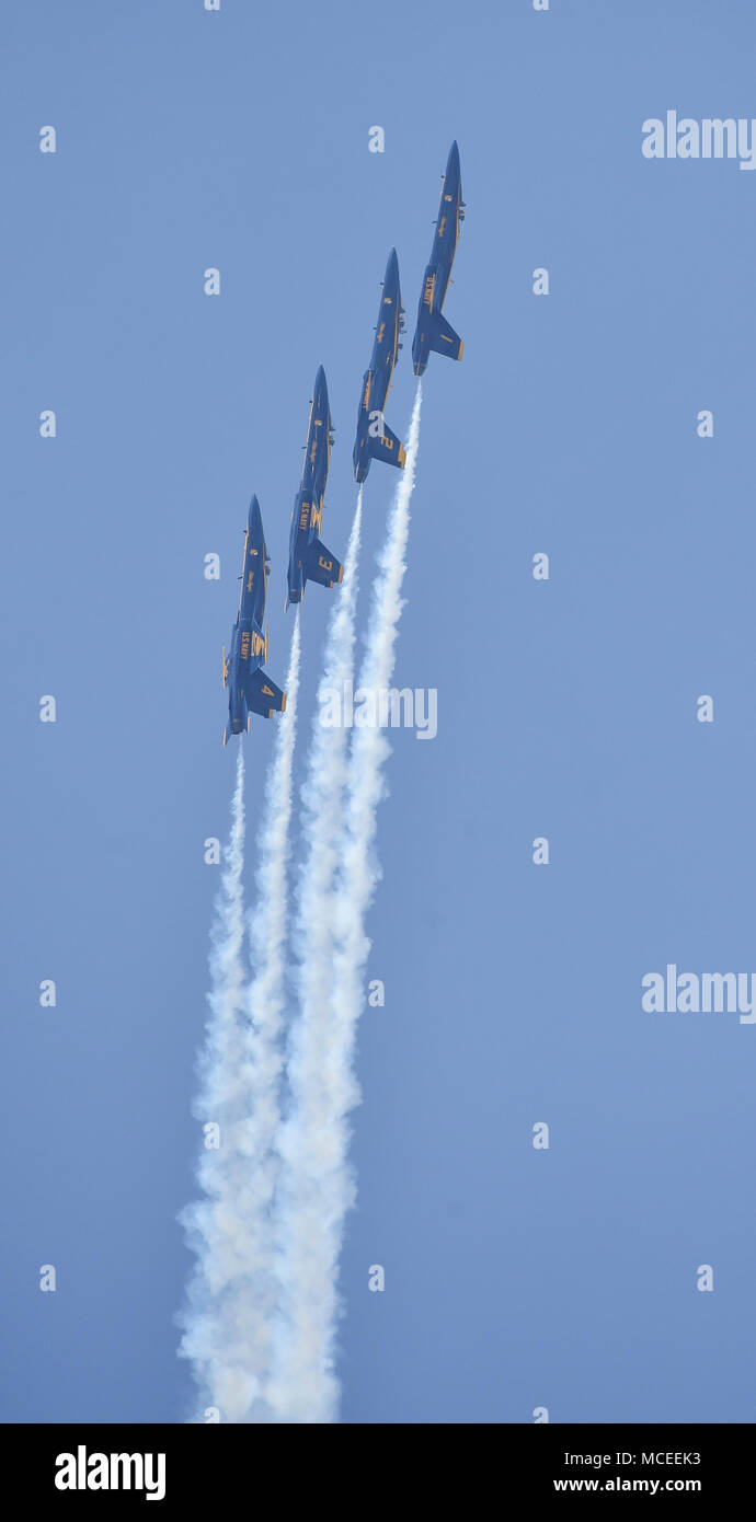 180412-N-NI474-2346  TUSCALOOSA, Ala. (April 12, 2018) The U.S. Navy flight demonstration squadron, the Blue Angels, Diamond pilots perform the Left Echelon Parade maneuver during a practice demonstration for the Tuscaloosa Regional Air Show. The Blue Angels are scheduled to perform more than 60 demonstrations at more than 30 locations across the U.S. and Canada in 2018. (U.S. Navy photo by Mass Communication Specialist 1st Class Daniel M. Young/Released) - Stock Image