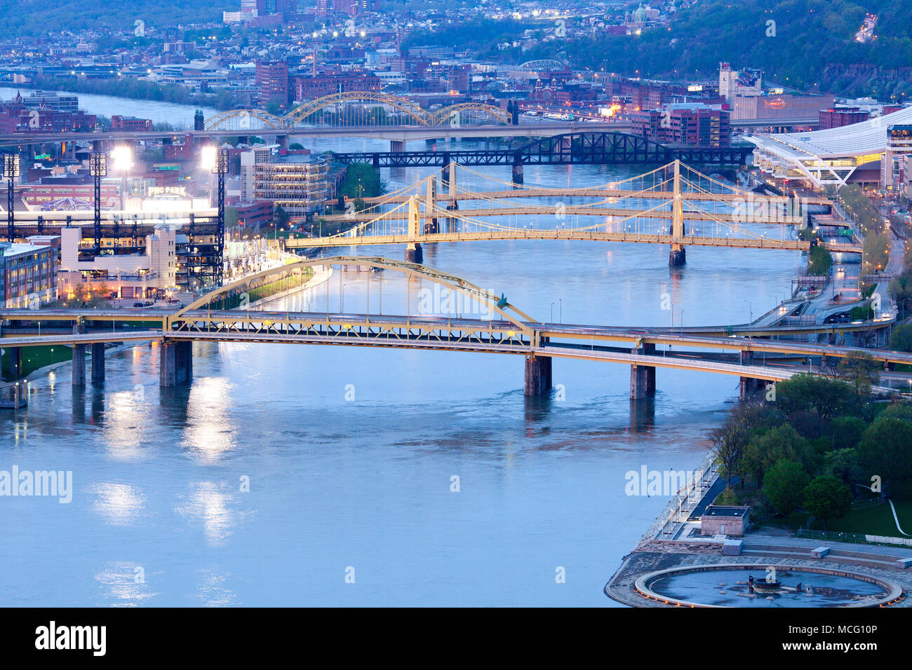 Pittsburgh, Washington State, United States - Bridges over the Allegheny River. - Stock Image