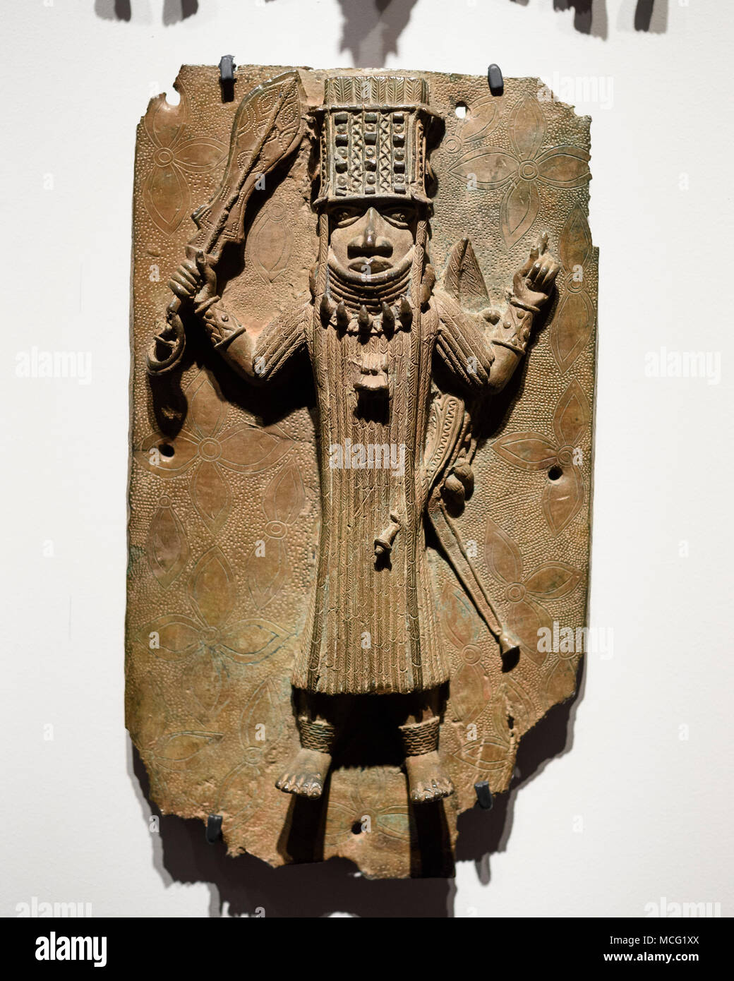 Berlin. Germany. Benin Bronzes. Oba / King (Ozolua?), 16-17th century, brass plaque. From the royal court palace of the Kingdom of Benin. Ethnological - Stock Image