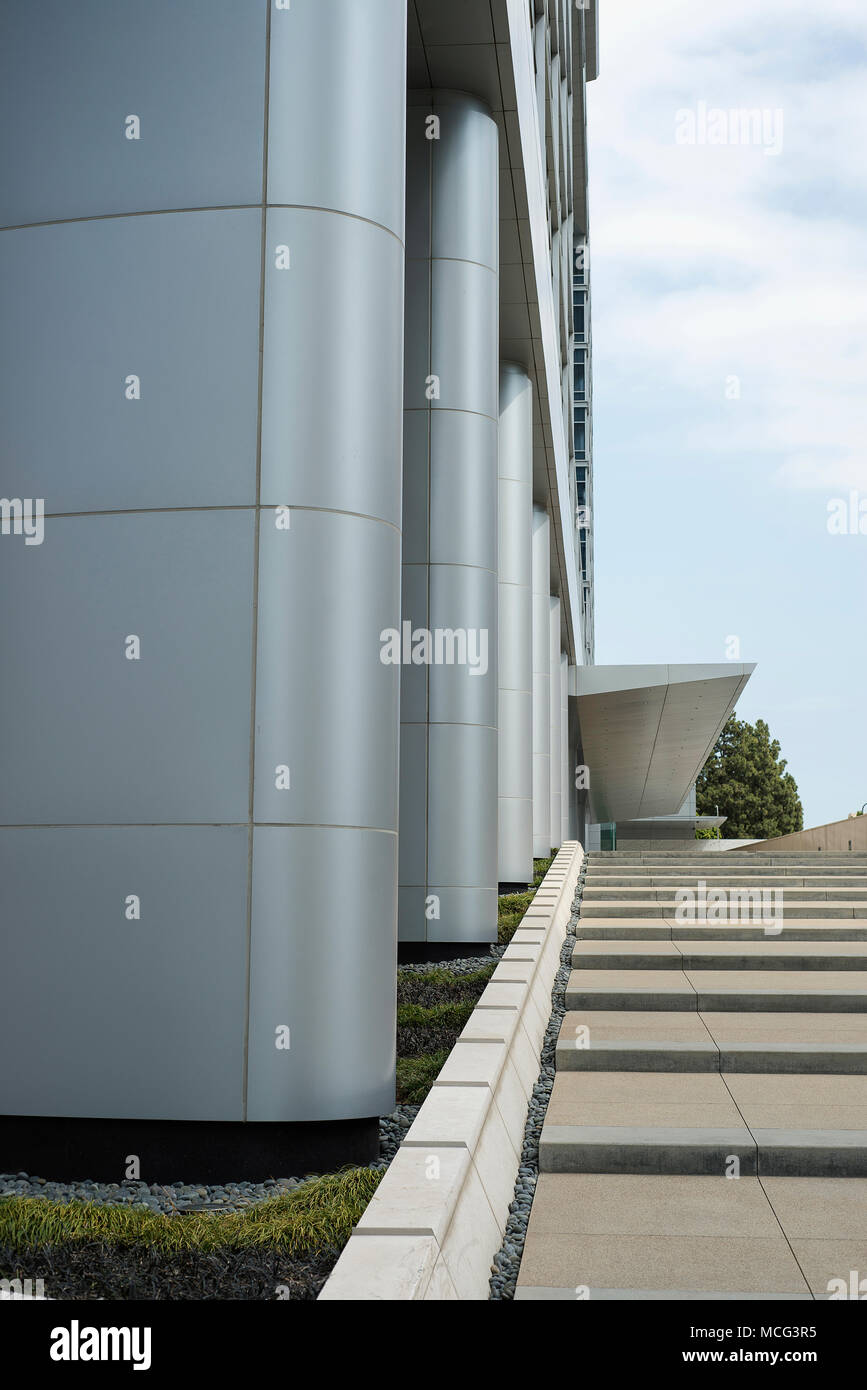 The outside of a business building in Los Angeles, CA. - Stock Image