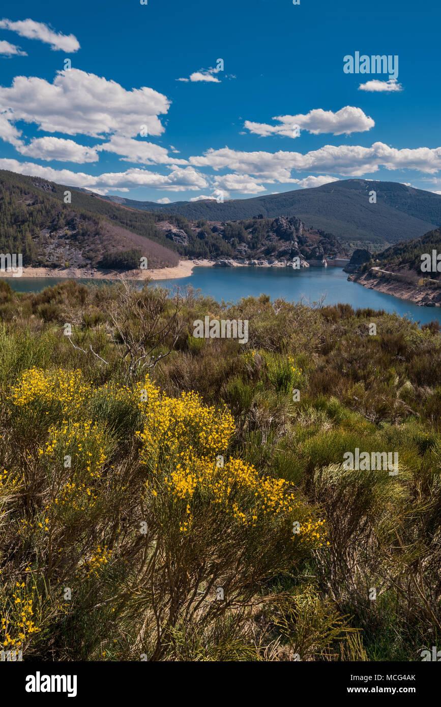 Lake camporredondo in Palencia, Castilla y León, Spain. - Stock Image
