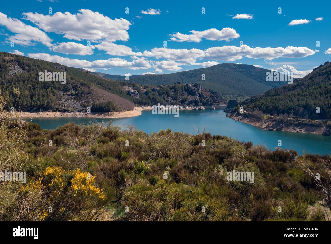 Scenic landscape of Lake camporredondo in Palencia, Castilla y León, Spain. - Stock Image
