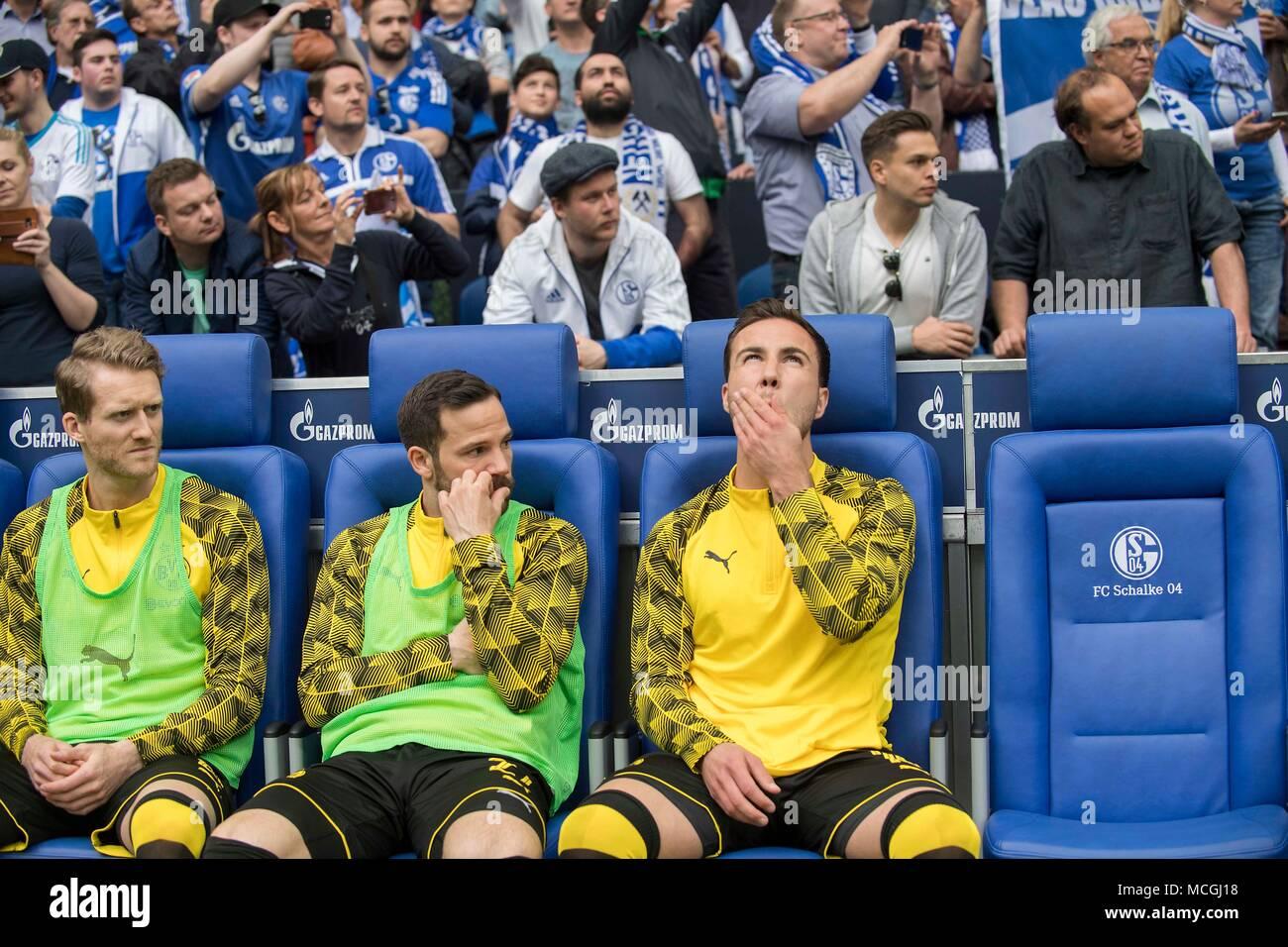 the substitutes of DO, Mario GOETZE (Gotze) (DO), Gonzalo CASTRO (DO), Andre SCHUERRLE (Schurrle) (DO), Soccer 1. Bundesliga, 30. matchday, FC Schalke 04 (GE) - Borussia Dortmund (DO ), on 15.04.2018 in Gelsenkirchen/Germany. | usage worldwide - Stock Image
