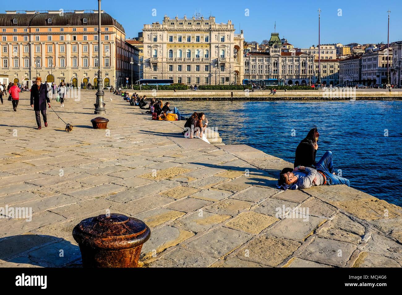 Italia, Friuli Venezia Giulia, Trieste, Molo Audace   Italy, Friuli Venezia Giulia, Trieste, Audace Pier Stock Photo