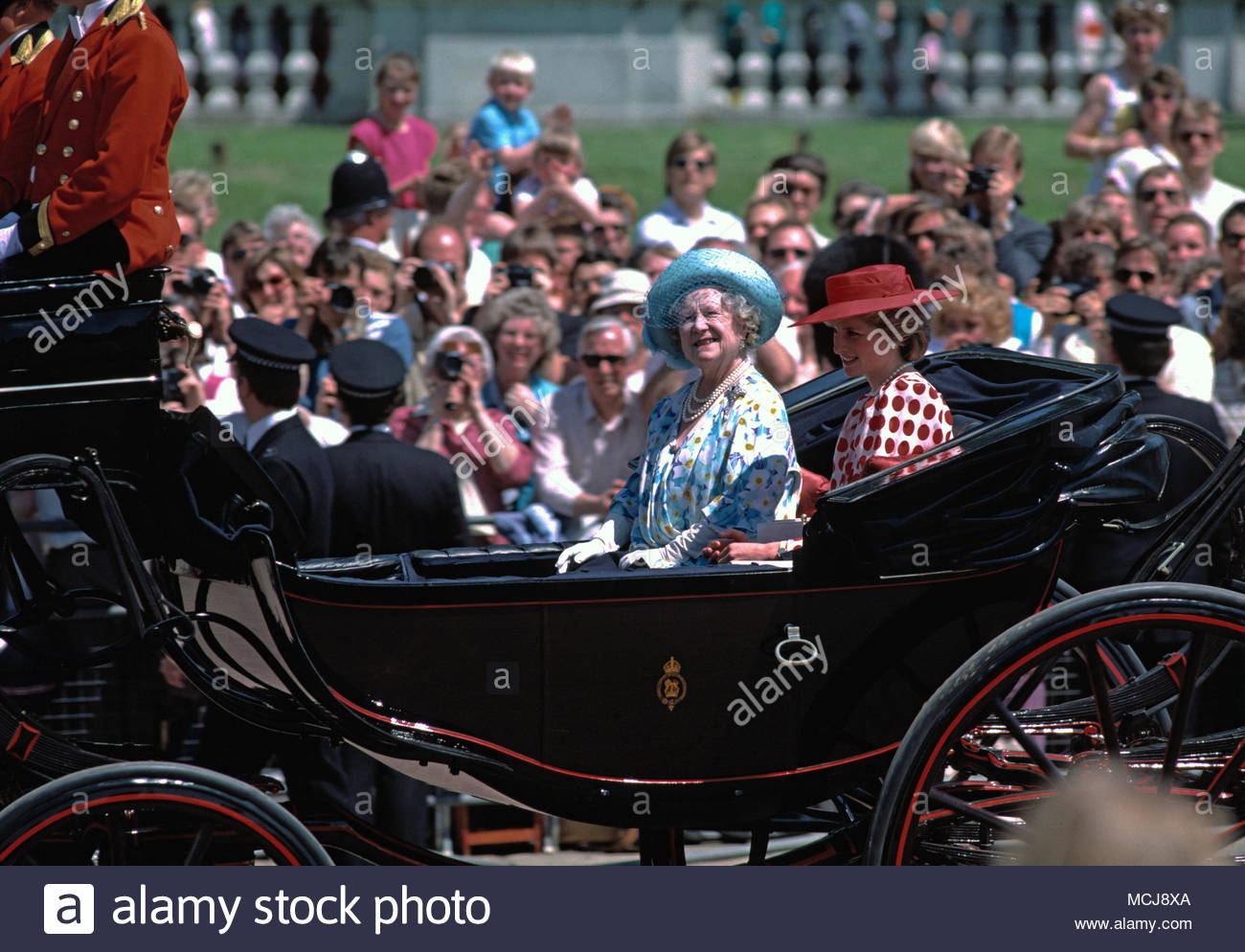 Princess Diana and the Queen Mother riding in open, horse-drawn carriage at Royal Ascot Racecourse in 1986. - Stock Image