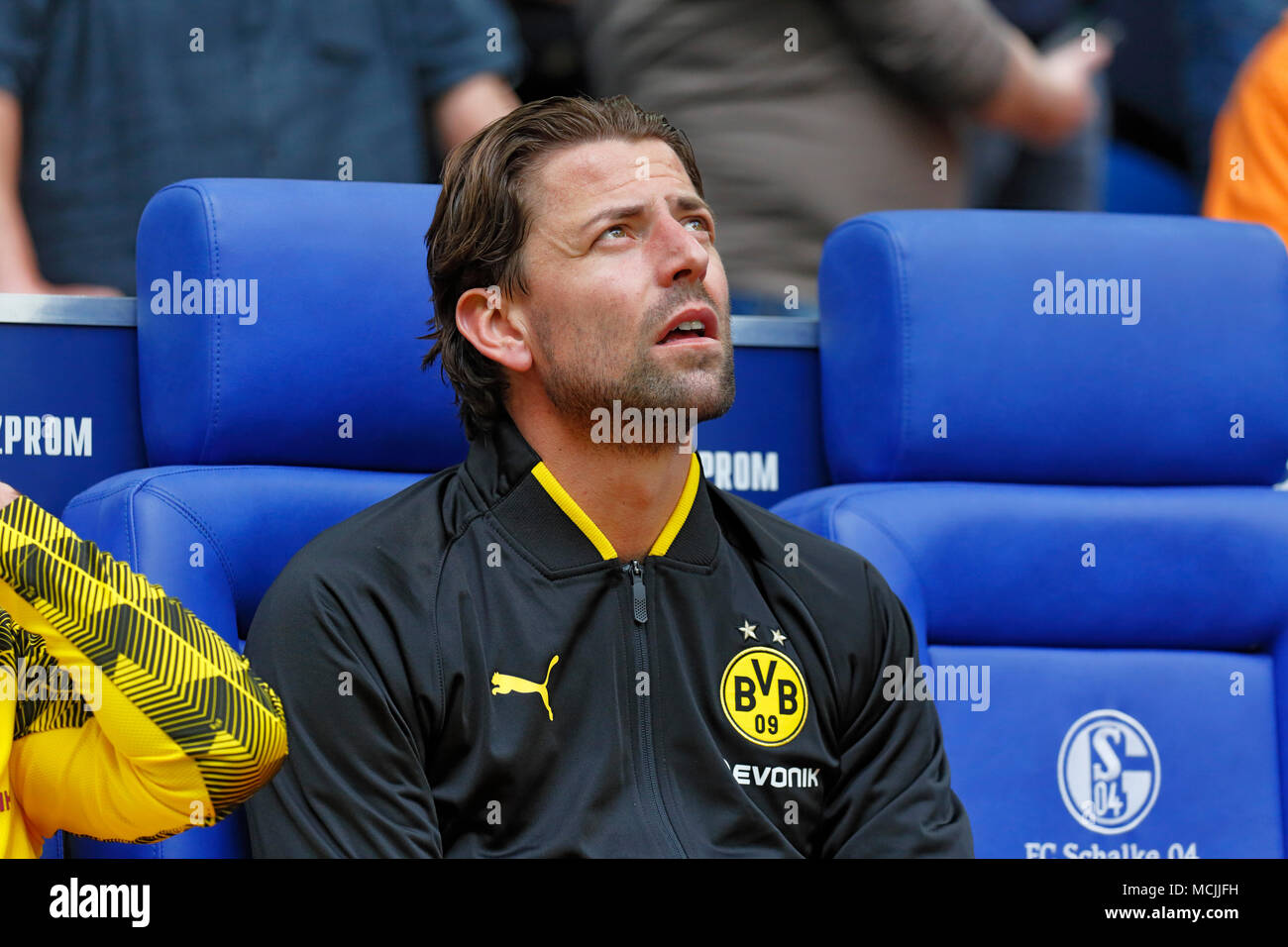 sports, football, Bundesliga, 2017/2018, FC Schalke 04 vs BVB Borussia Dortmund 2:0, Veltins Arena Gelsenkirchen, substitutes bench Dortmund, keeper Roman Weidenfeller (BVB) Stock Photo