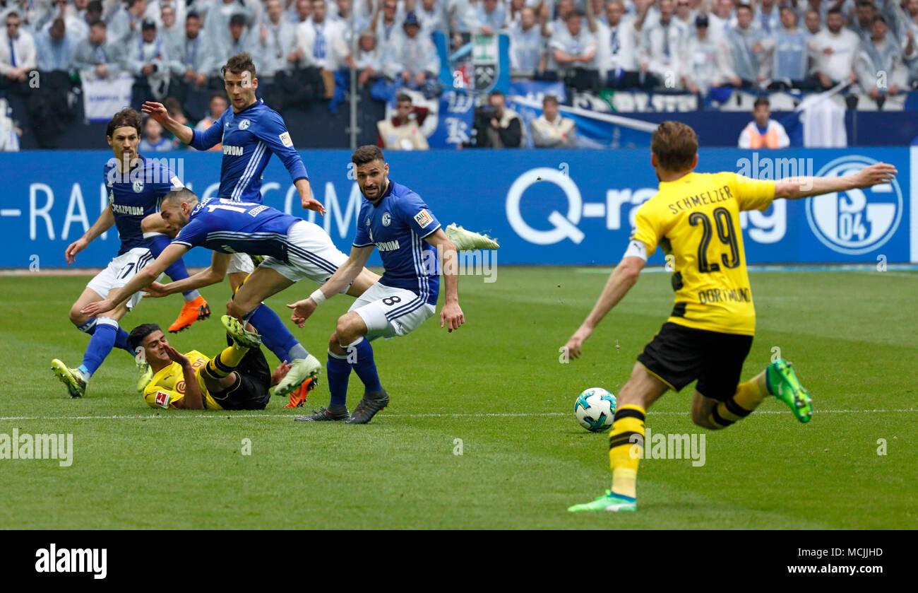 sports, football, Bundesliga, 2017/2018, FC Schalke 04 vs BVB Borussia Dortmund 2:0, Veltins Arena Gelsenkirchen, scene of the match, f.l.t.r. Benjamin Stambouli (S04), Mahmoud Dahoud (BVB), Nabil Bentaleb (S04), Leon Goretzka (S04), Daniel Caligiuri (S04), Marcel Schmelzer (BVB) - Stock Image
