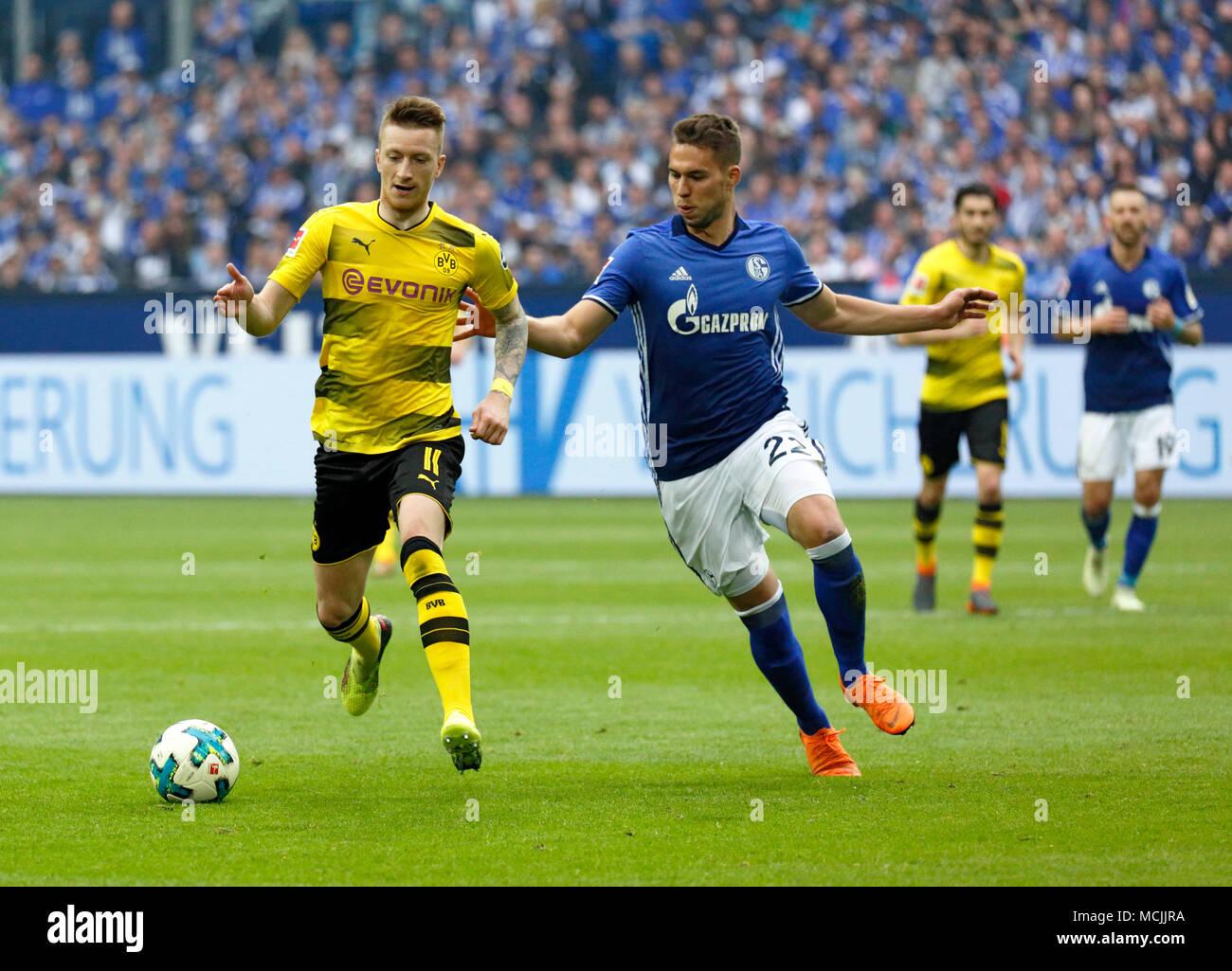 sports, football, Bundesliga, 2017/2018, FC Schalke 04 vs BVB Borussia  Dortmund 2:0, Veltins Arena Gelsenkirchen, scene of the match, Marco Reus ( BVB) left and Marko Pjaca (S04 Stock Photo - Alamy